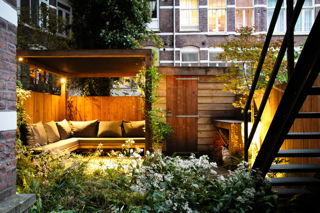 contemporary-patio-cozy-yard