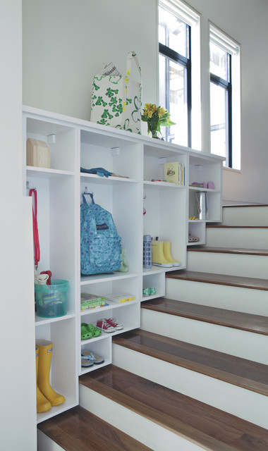 Best-storage-solutions-closet-stair