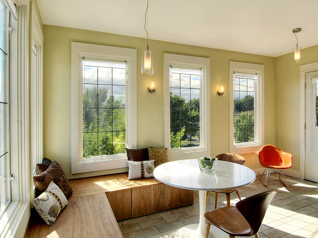 eclectic-kitchen-with-big-wide-windowsill