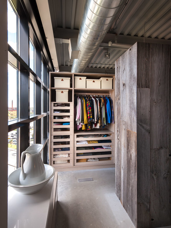 loft-style-design-ideas-small-closet