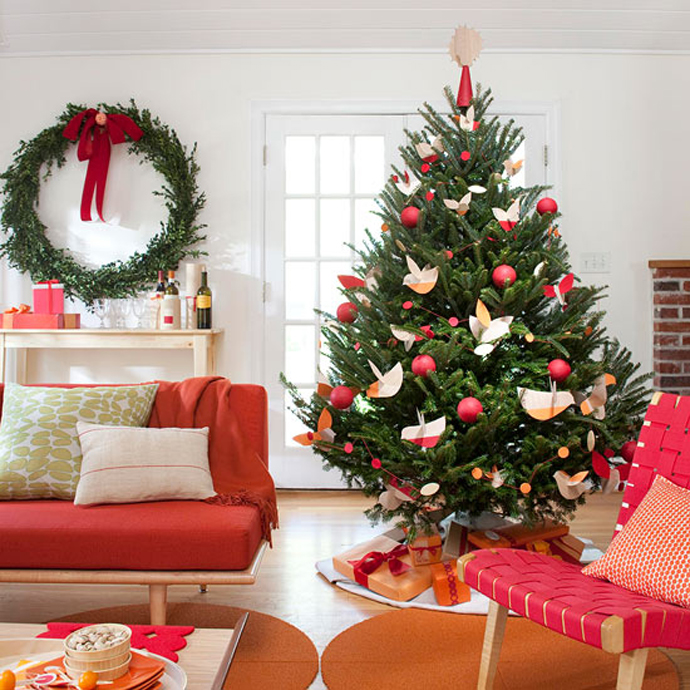 Lovely peaceful decor of Christmas Tree.