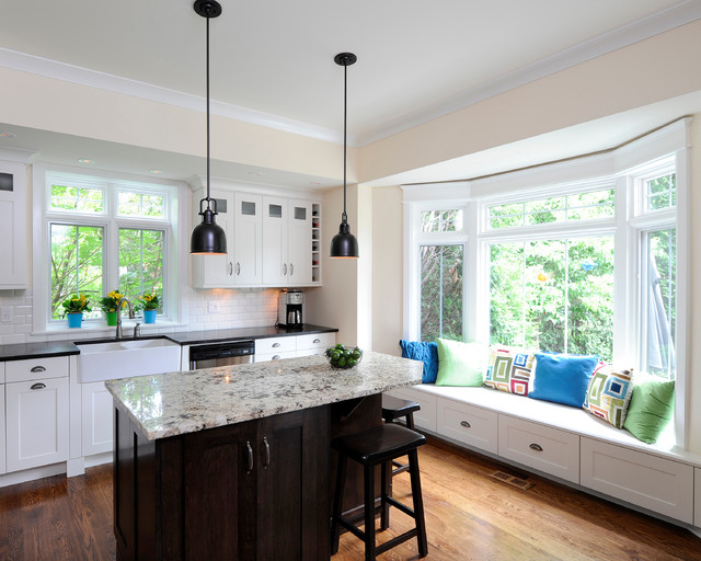 traditional-kitchen-cute-wide-windowsill