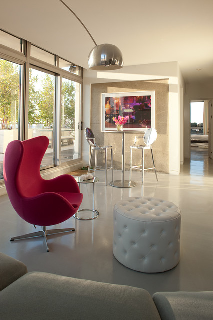 modern-living-room-marsala-chair
