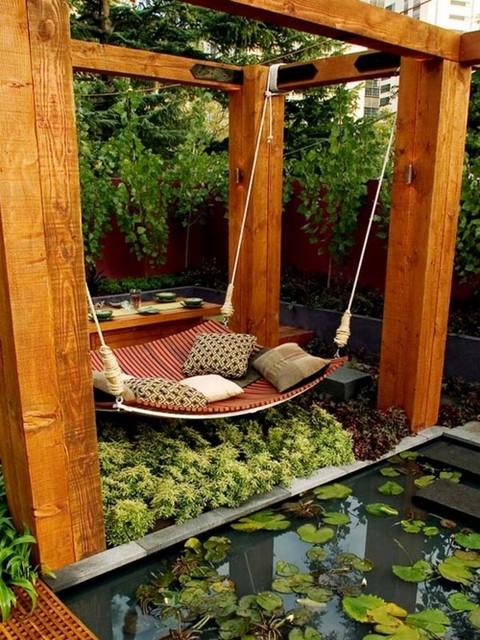 patio-with-hammock