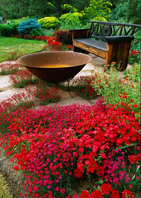 rustic-garden-flower-place