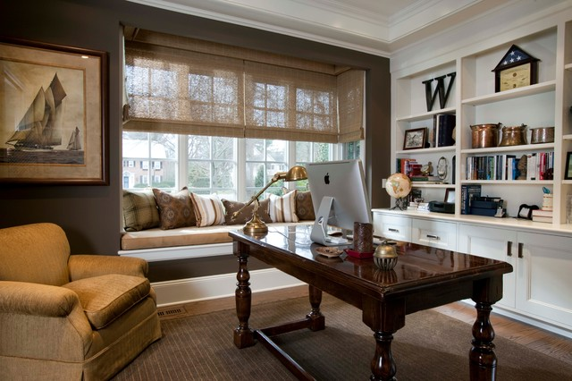 traditional-home-office-cozy-windowsill