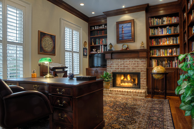 traditional-home-office-fireplace