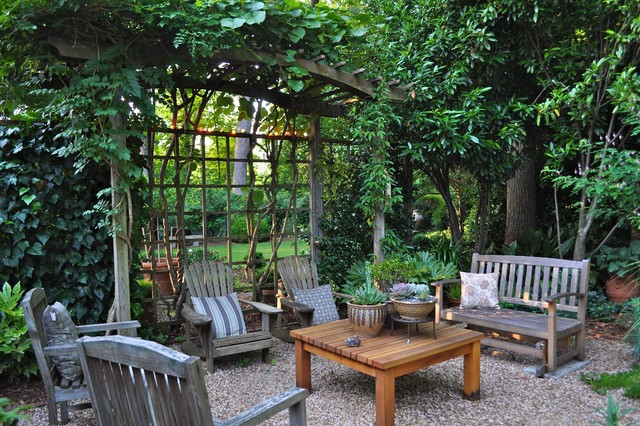 traditional-patio-garden