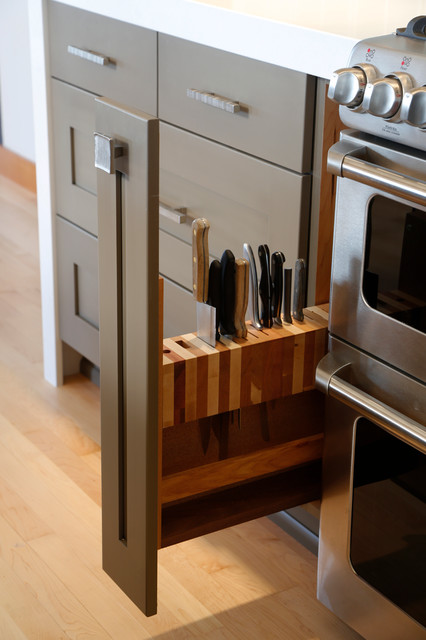 transitional-kitchen-shelf-for-knives