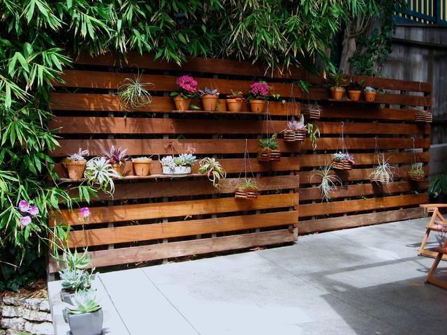 DIY-ideas-flower-walls-for-patio