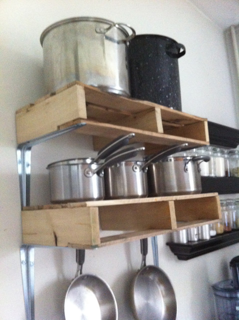 DIY-ideas-shelf-for-kitchen-with-pallets
