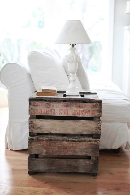 DIY-nightstand-pallet