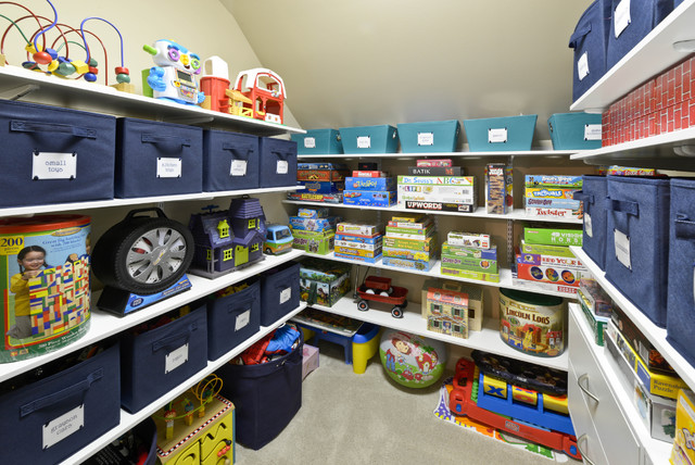 closet-for-toys