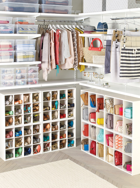 modern-closet-shoes-and-bags-organization