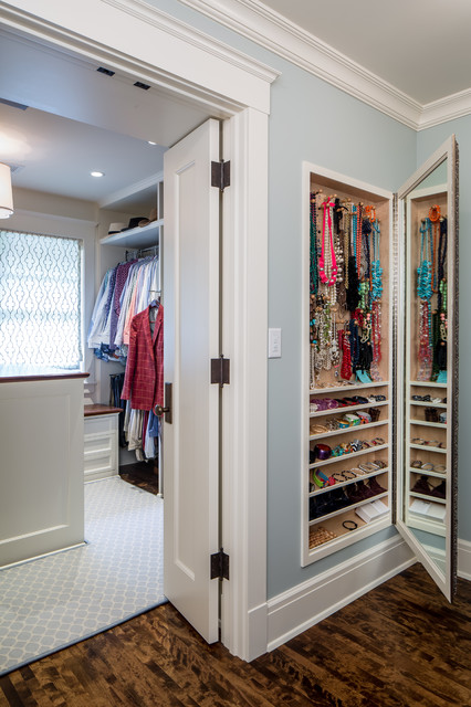 secret-mirror-closet-jewelry