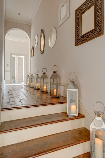 home-decor-with-lantern-hall