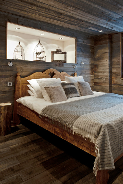 mood-wood-in-your-home-rustic-bedroom