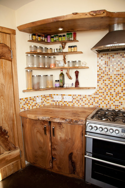 mood-wood-in-your-home-rustic-kitchen-wooden-corner