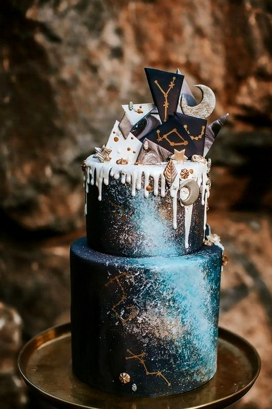 Midnight and gold celestial wedding cake ideas