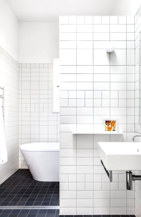 Playing With Size And Material bathroom tile