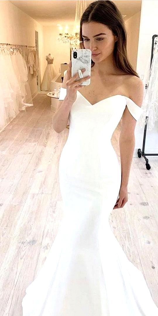 off the shoulder mermaid wedding dress