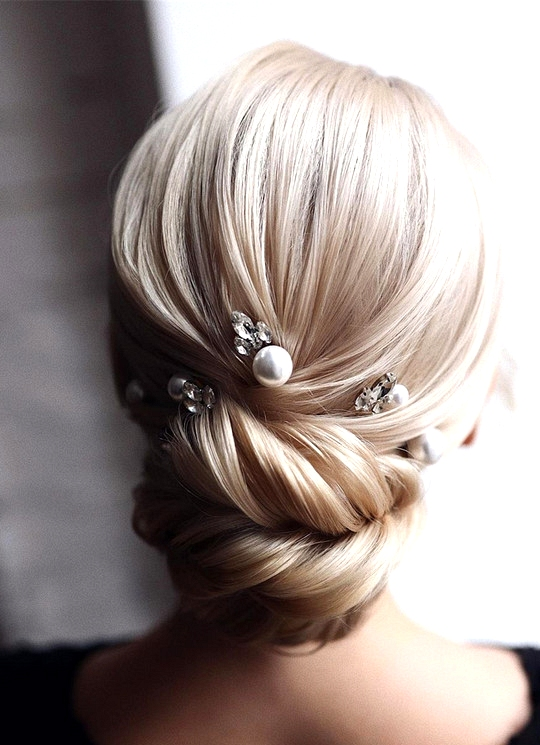 elegant updo wedding hairstyles for 2020 brides 17