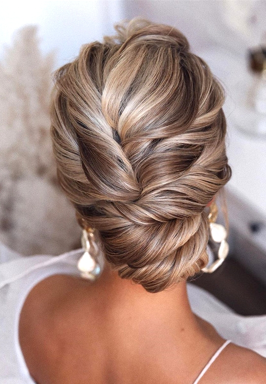 elegant updo wedding hairstyles for 2020 brides 20