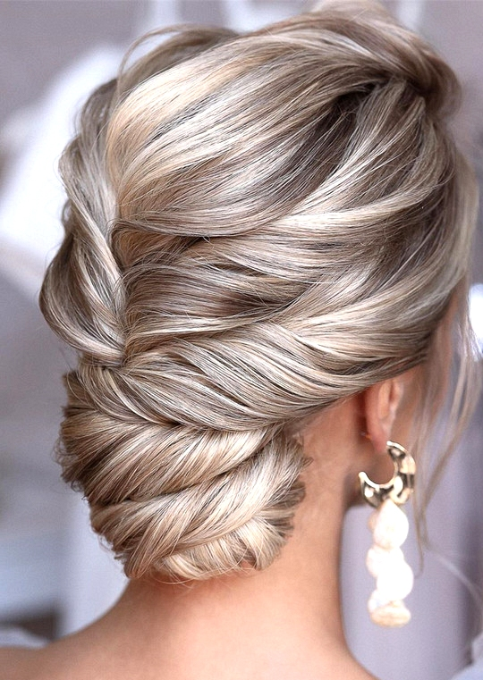 elegant updo wedding hairstyles for 2020 brides 24