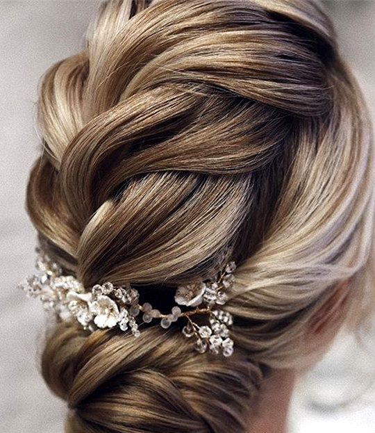 elegant updo wedding hairstyles for 2020 brides 1