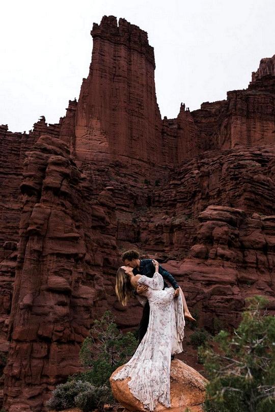 gorgeous elopement wedding photography ideas