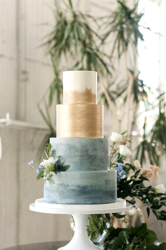 vintage blue and gold wedding cake