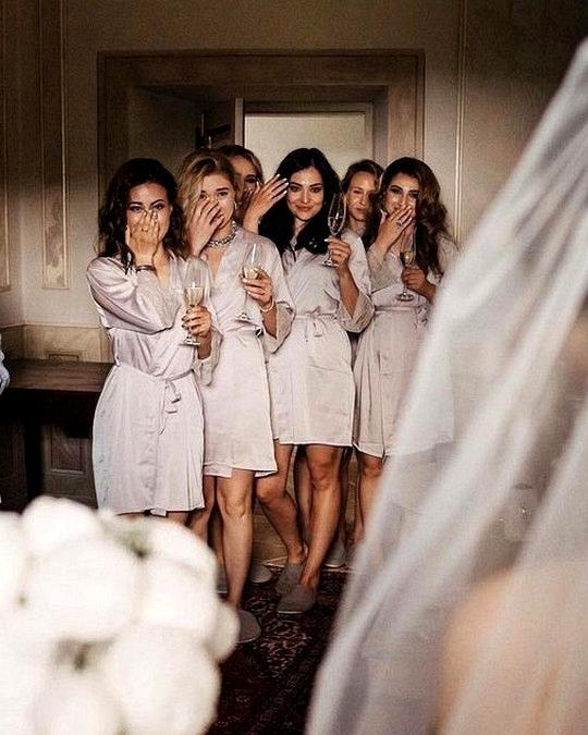 getting ready wedding photo ideas bridal party