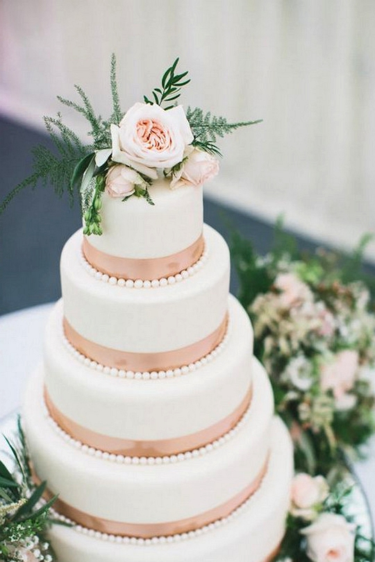rose gold and greenery wedding cake