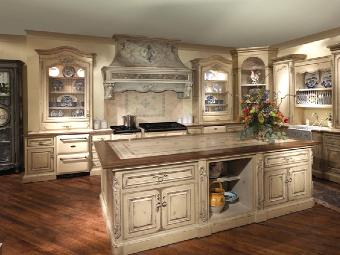 farmhouse kitchen with honey cabinets