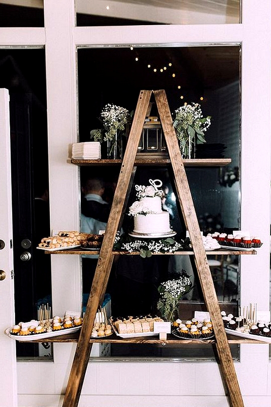 chic vintage wedding dessert display ideas