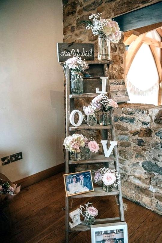 vintage country wedding photo display ideas