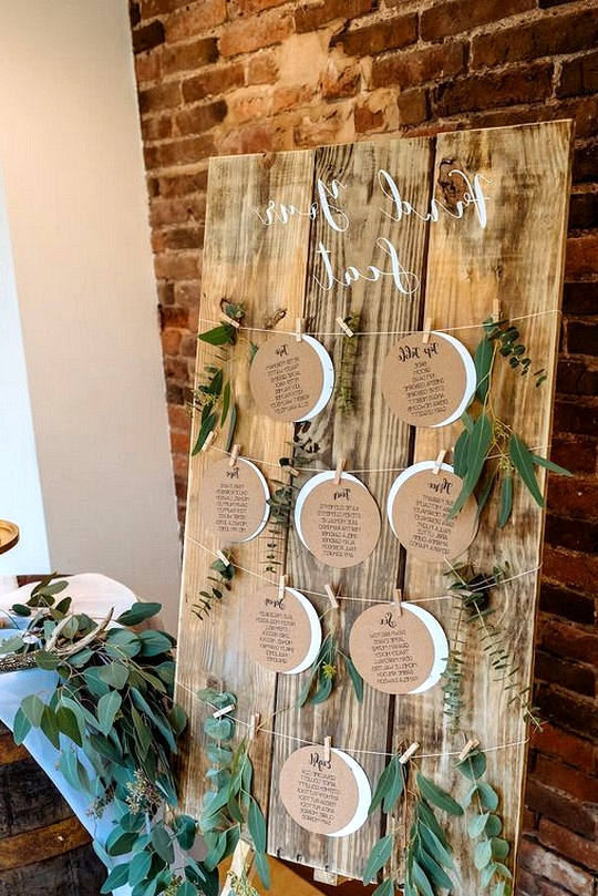 DIY wedding seating chart ideas