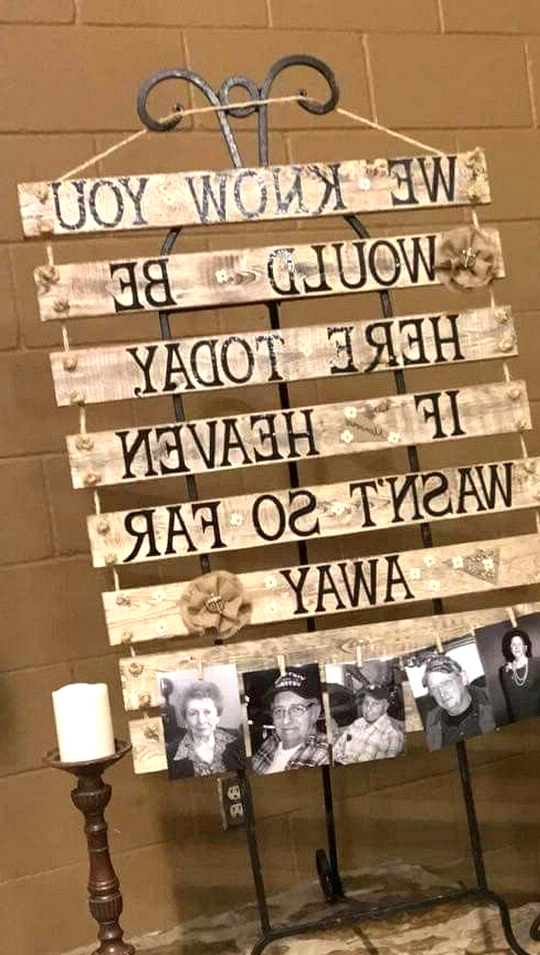 DIY country wooden pallets wedding ideas