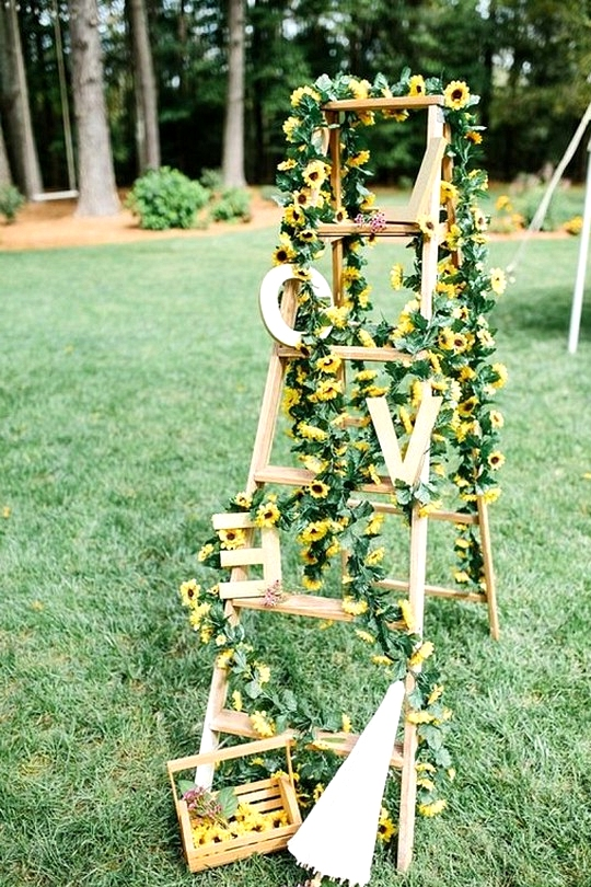 outdoor wedding decoration ideas with sunflowers