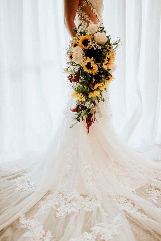 sunflower cascading wedding bouquet ideas