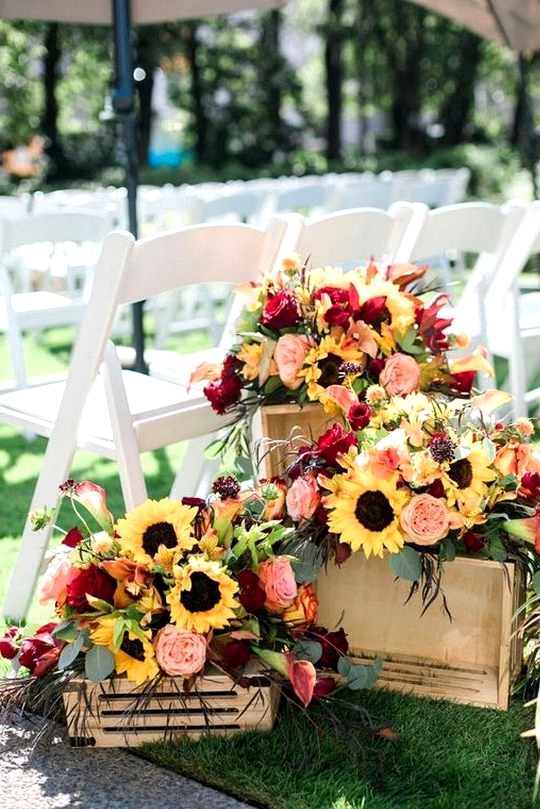 fall wedding ceremony decoration ideas with sunflowers and garden roses