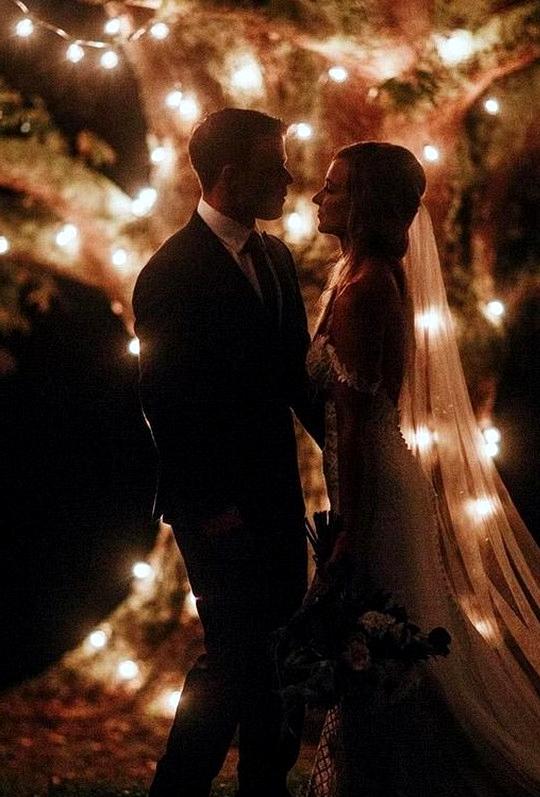 romantic night wedding photo ideas bride and groom