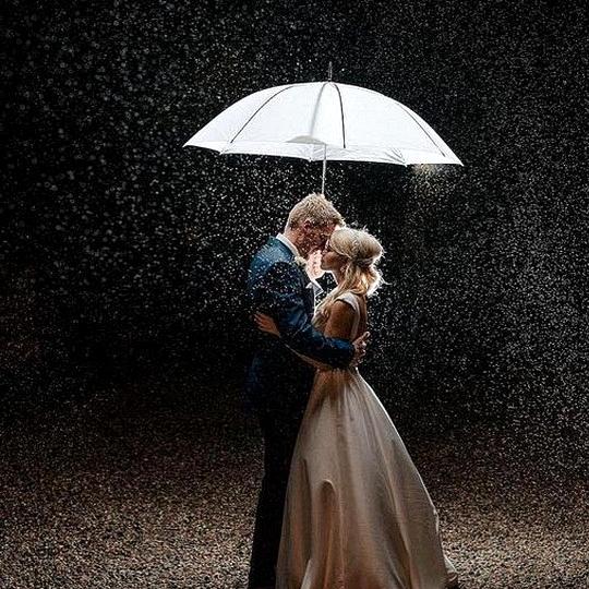 unique night wedding photo ideas bride and groom