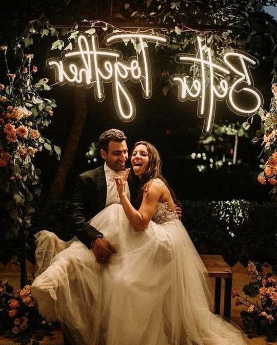 bride and groom wedding photo ideas at night