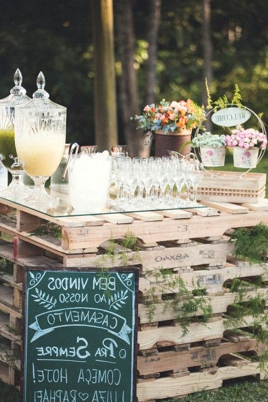 wooden pallet country wedding drink station