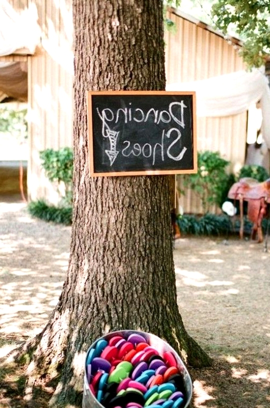 cute country wedding ideas dancing shoes