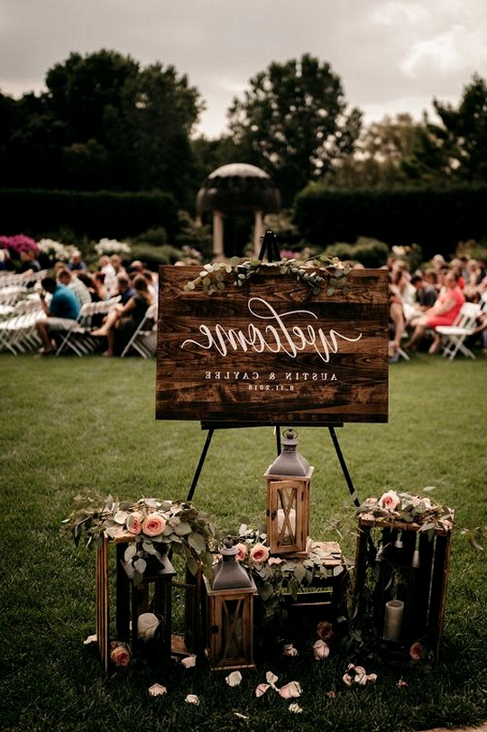outdoor wedding sign decoration ideas