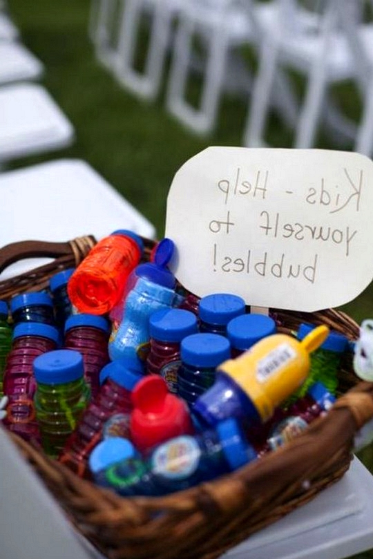 bubbles for kinds at weddings