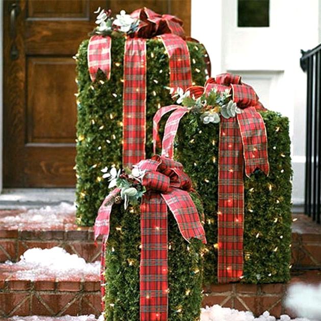 Christmas Theme Bushes