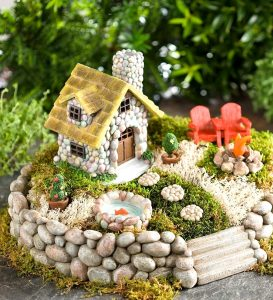 10 Creative and Flawless Fairy Garden Design Idea